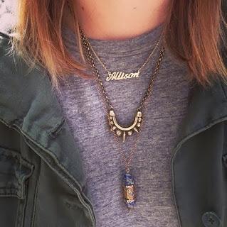 collar carrie
